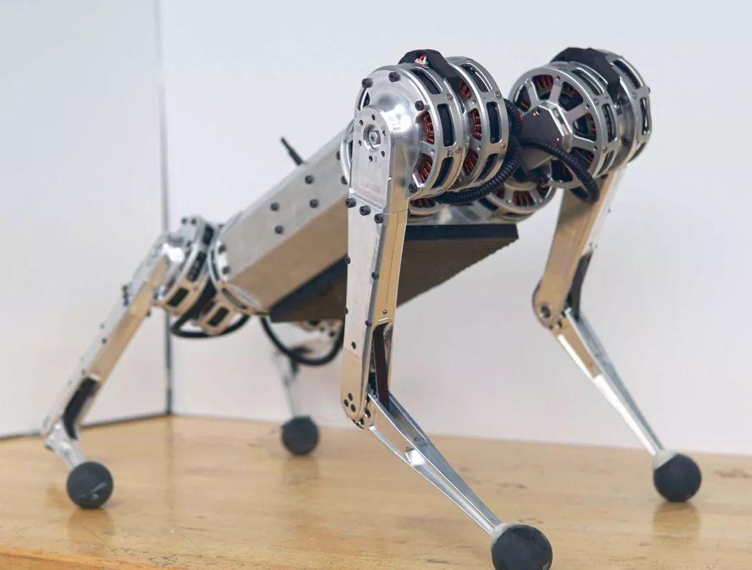迷你猎豹发明者谈这款四足机器人及其未来计划